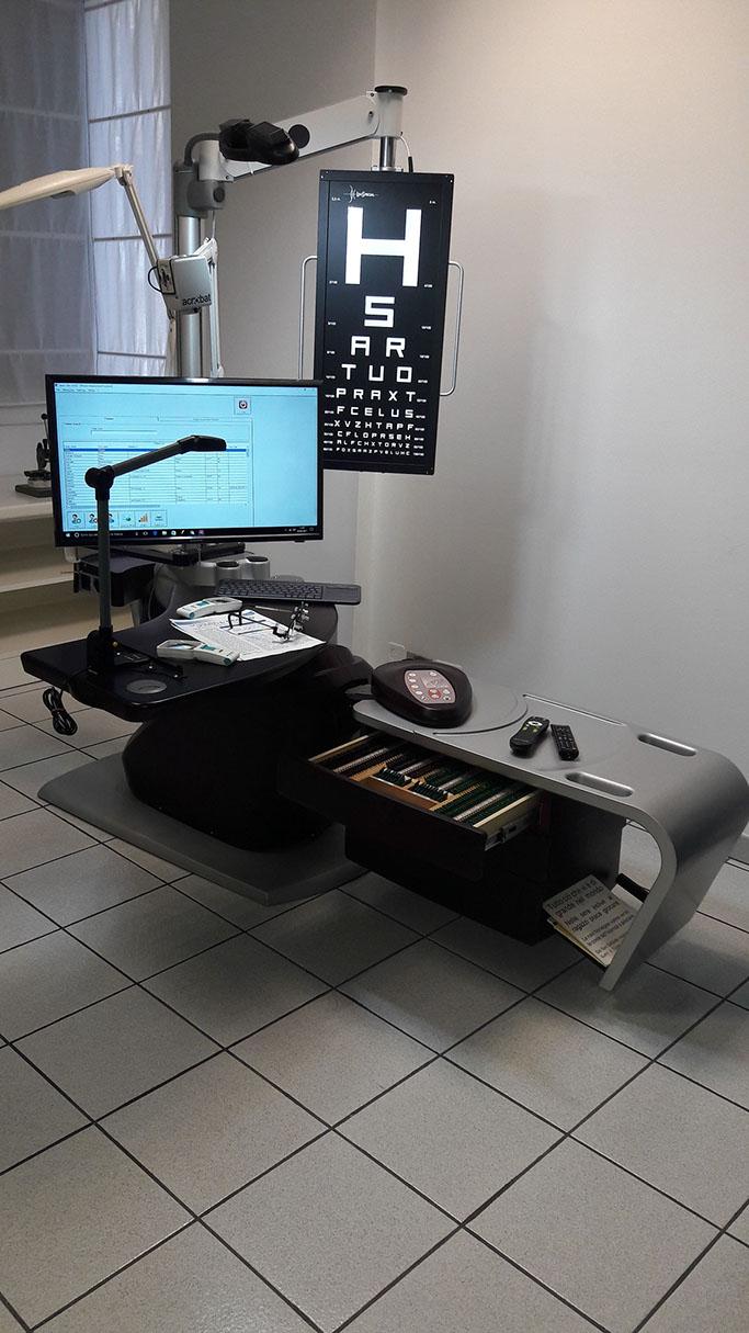 low vision working station per associazione retinitis onlus